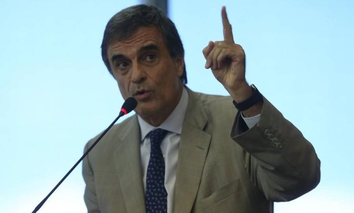 Cardozo: 'Se OAB apoiar impeachment, terá de pedir cassação de Aécio'