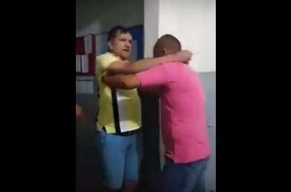 VEJA VÍDEO: delegado causa confusão em delegacia na cidade de Patos