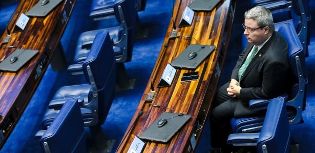 Após polêmica, Anastasia é eleito relator da comissão do impeachment do Senado