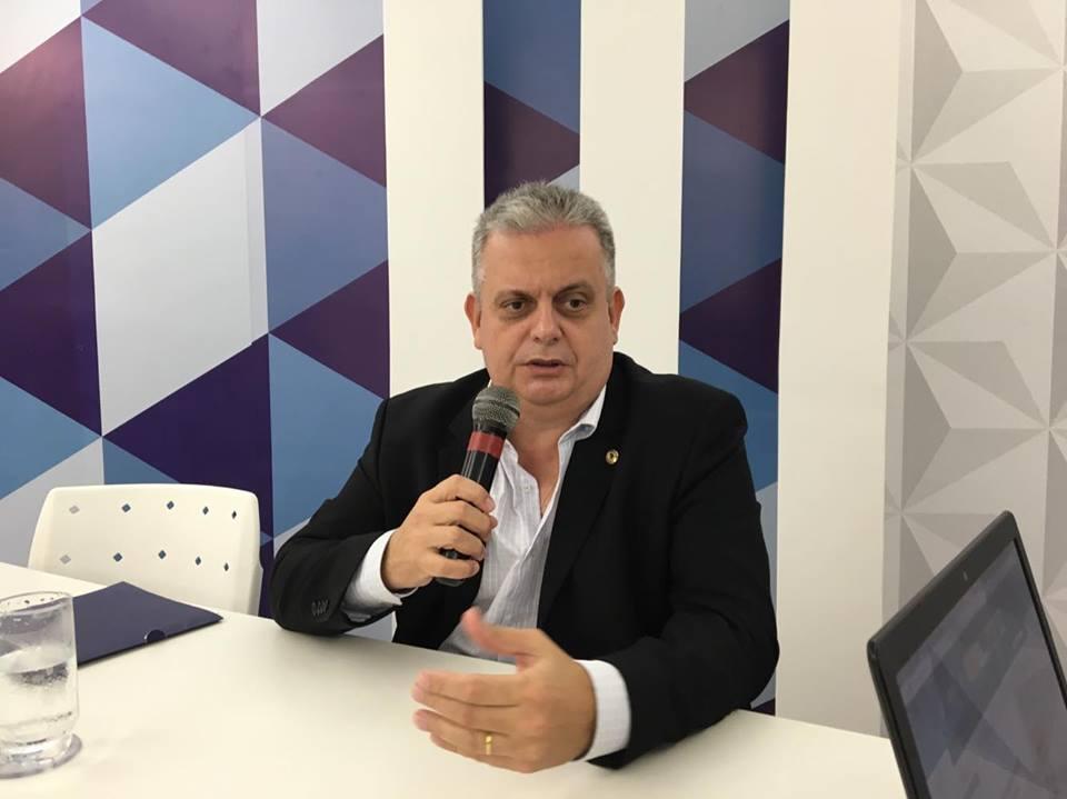 Bosco Carneiro alerta para insalubridade da água de Alagoa Grande e pede substituição da rede de abastecimento