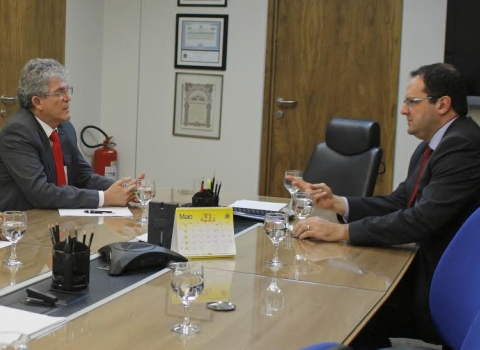 RC se reune com ministro para discutir dívida do Estado e liberação de recursos