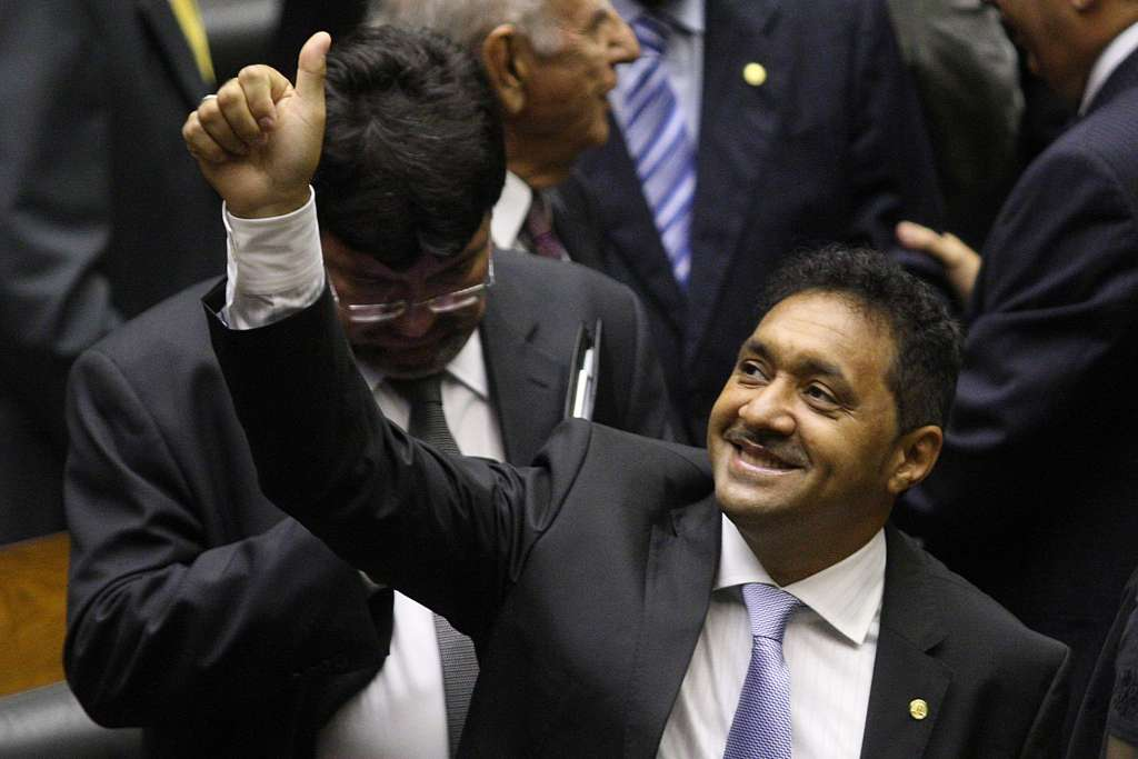 Deputado Tiririca nega encontro com Lula antes da votação