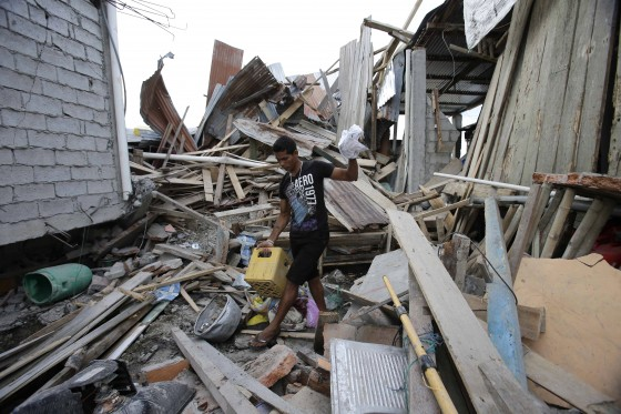 Novo tremor atinge o Equador; número de mortos ultrapassa 500