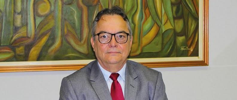 Presidente da Unimed JP discute panorama dos planos de saúde com senador Cássio Cunha Lima