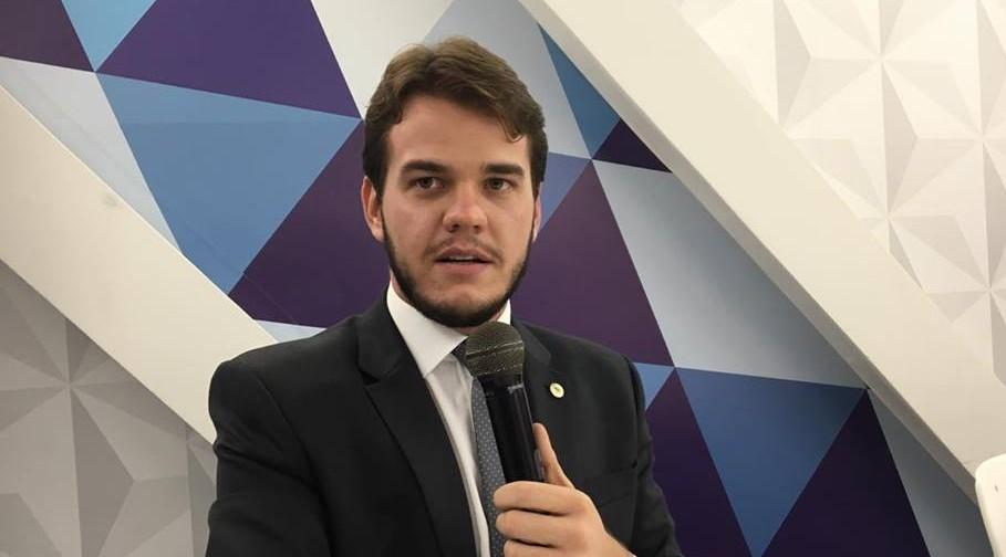 Bruno Cunha Lima confirma vaias ao primo Cássio e destaca 'momento de convulsão social'