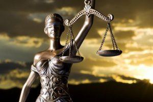 A justiça brasileira está entre a cruz e a espada. E desafiada !! – Por Gilvan Freire