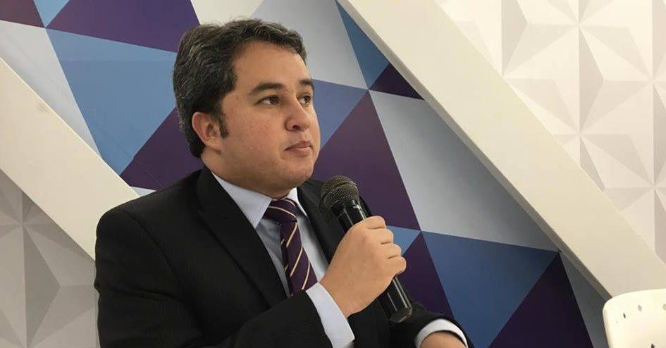 Mídia nacional destaca investigação conduzida por Efraim Filho