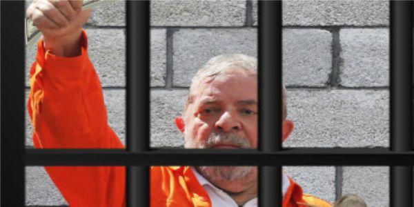 Ex-presidente Lula fica mais próximo da prisão mas PT quer sustentar candidatura