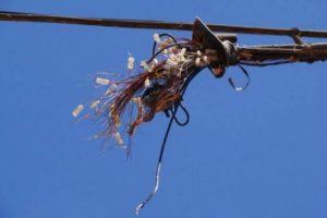 Roubo de cabos de fibra óptica deixa usuários sem internet