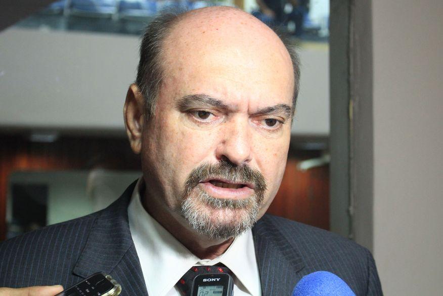 Jeová critica falta de engajamento de políticos e renuncia à presidência da Frente Parlamentar das Águas