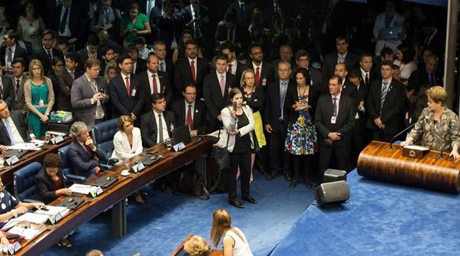 Bancada do PT no Senado busca modo de preservar direitos políticos de Dilma