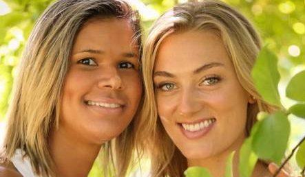 Goleira da seleção de handebol, paraibana Mayssa,  tem torcida da namorada canadense no Rio
