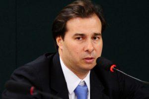 Rodrigo Maia defende a criação de novo Ministério