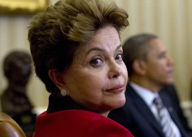 Para evitar novas acusações, Dilma só deixa o palácio após auditoria dos bens