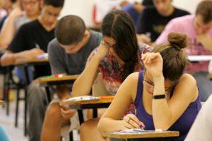Procurador pede cancelamento do Enem após exame ser adiado para 190 mil pessoas