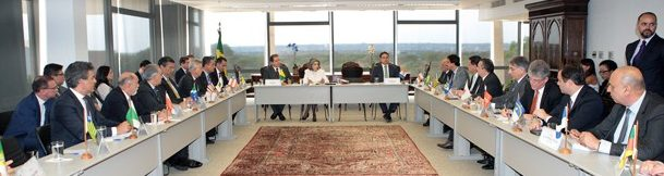 Governadores discutem com Cármen Lúcia guerra fiscal, saúde e precatório, Ricardo fez pedido