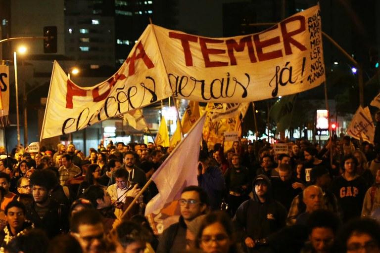 'Os desafios do golpe continuado' – Por Roberto Amaral