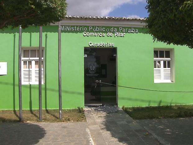 tiros_na_promotoria_de_pilar