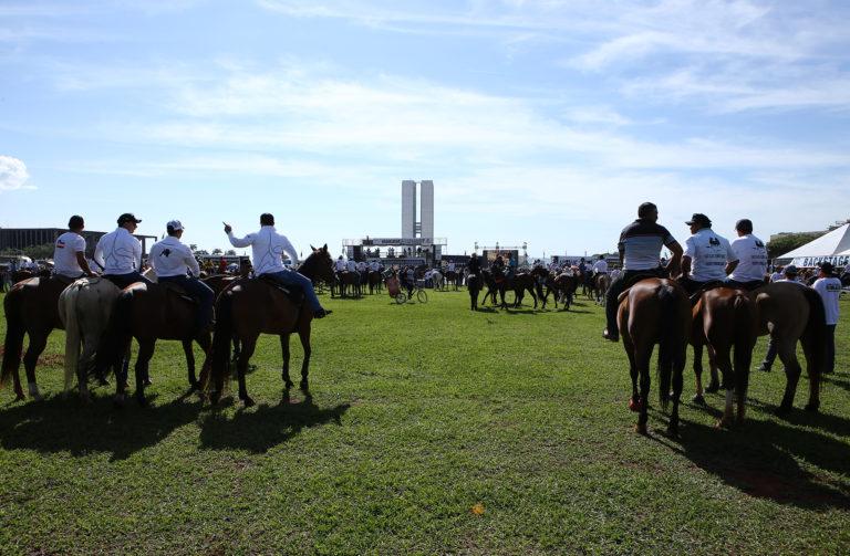 Brasília- DF- Brasil- 25/10/2016- Manifestação pró-vaquejada. Foto: Gilmar Felix/ Câmara dos Deputados