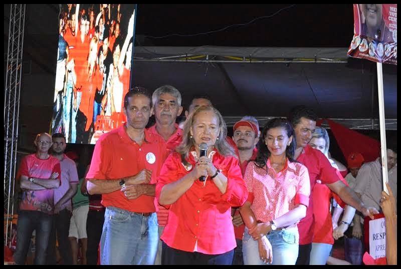Fátima Paulino reconhece do governo federal em comício de encerramento de campanha