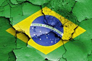 Brasil não sairá da crise em 2017, diz economista