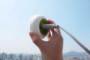 INOVAÇÃO – Tomada permite recarregar celular utilizando energia solar diretamente da janela