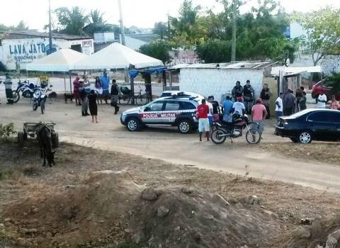 Homem é assassinado dentro de carro em João Pessoa