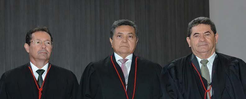SITUAÇÃO VENCE NO TJ: Como candidato único do grupo João Alves é o novo presidente