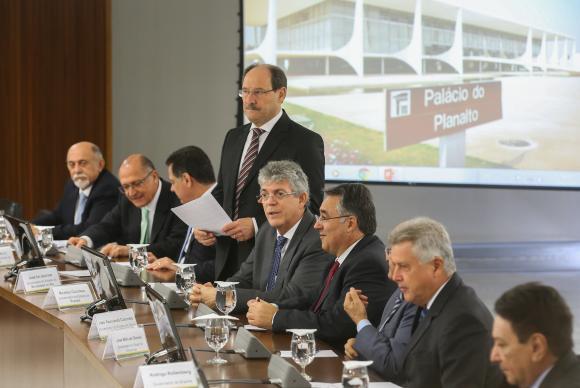 reunião governadores - Governadores e Temer fecham acordo para repasse de multas da repatriação