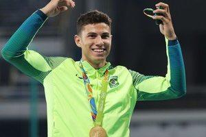 """Ouro de Thiago Braz e mais medalhas da Rio 2016 """"somem"""" do site do COI"""