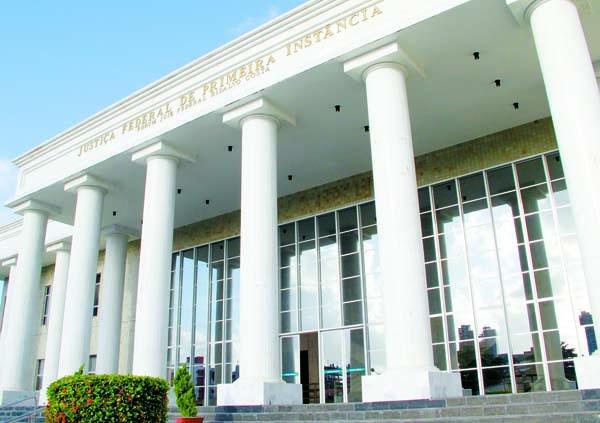 Ex-prefeito de Catingueira é condenado a cinco anos de prisão