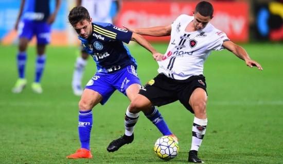 Cobiçado por grandes clubes, Djavan diz estar focado no Botafogo PB