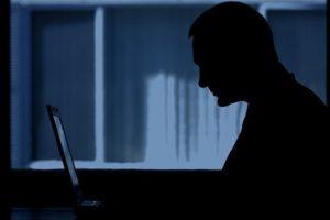 Excesso de Facebook no Natal deixa pessoas deprimidas, diz pesquisa