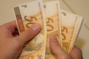 Salário mínimo de R$ 937 entra em vigor no dia 1º de janeiro