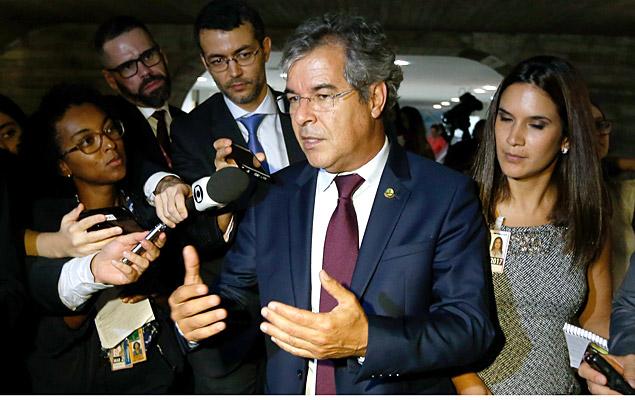 PT fica inconformado com ajuda de Jorge Viana para manter Renan