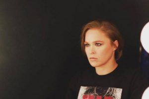 Ronda Rousey se recusa a fazer foto protocolar após pesagem
