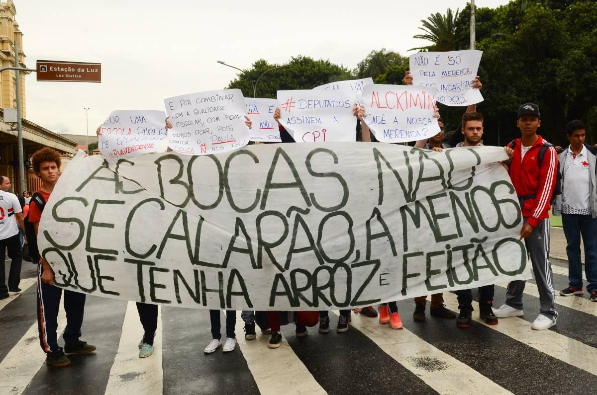 Em São Paulo, CPI da Merenda aprova relatório e isenta políticos