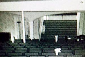 SINISTRO – Suposto espírito de atriz morta em teatro é fotografado na plateia