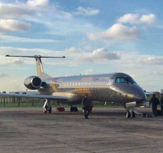 avião PF