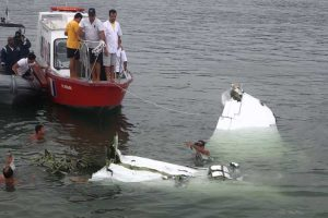 THE GUARDIAN: A sincronização do acidente de avião é susceptível de levantar questões de possível jogo sujo