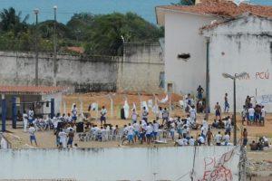 Em Alcaçuz, presos controlam chave de pavilhões e até entrada de comida