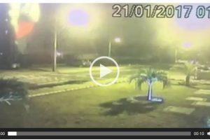 VEJA VÍDEO: Câmera de segurança flagra momento em que carro que atropelou agente foge
