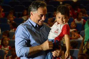 Prefeito participa da abertura da Colônia de Férias para 12 mil crianças das creches