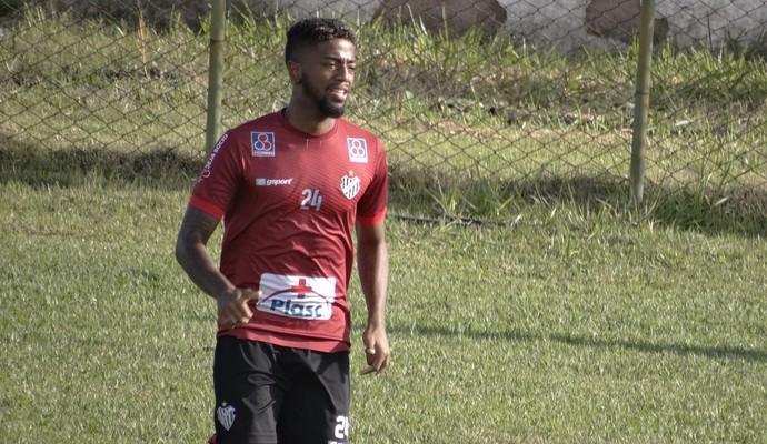 Belo contrata mais dois laterais às vésperas de início do Campeonato