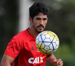 Chapecoense acerta retorno de Túlio de Melo, que estava no Sport