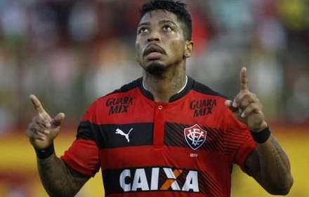 Flamengo não alcança valor para comprar Marinho