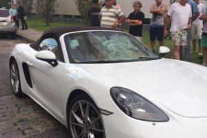 Polícia encontra carro que atropelou agente do Detran, condutor continua foragido