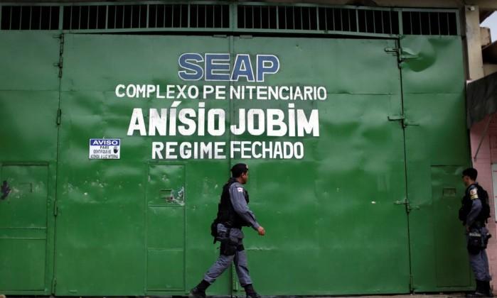 Vídeo mostra movimentação de presos durante rebelião que matou 56