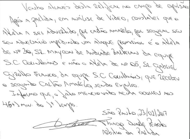 Arbitro corrige expulsão polêmica de súmula por escrito