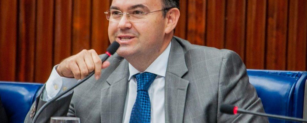 Raniery lidera PMDB na AL e tenta conciliar correntes